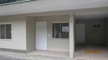 Casa no Condom�nio Real