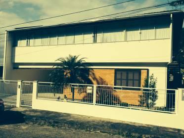 Linda Casa de 2 Andares no Bairro Santa Rita.