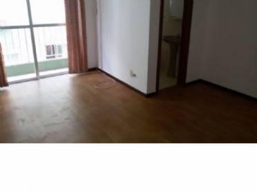 Apartamentos - Apto Com 2 Quartos e Demais Dependências ,1 Vaga de Garagem.