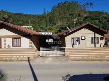 Casas - Casa de Madeira - Bairro Zantão
