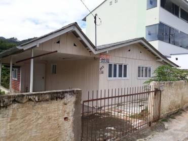 Casas - Casa - Madeira - Poço Fundo