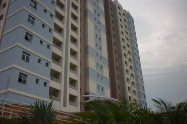Apartamento Semimobiliado em �tima Localiza��o.