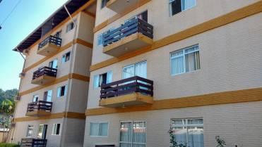 Apartamento Semimobiliado Com Três Dormitórios