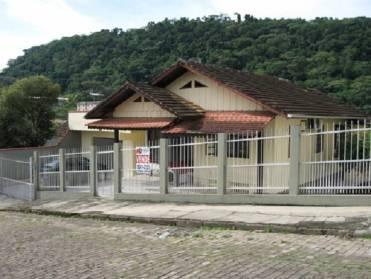Casa Mista Com 4 Dormit�rios