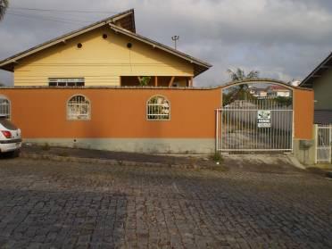 Casa em Excelente Localização