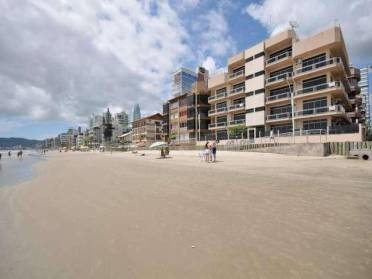 Apartamentos - Apartamento em Meia Praia