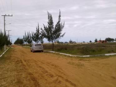 Terrenos - Terreno de Esquina a 350 Metros do Mar - Aceita Veiculo em Troca