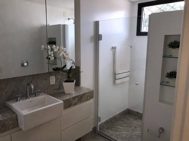 Apartamento p/ Venda- 3 Suítes, Resid. Von Buettner, Centro